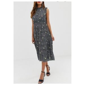 NWT Ted Baker Toppaz Oracle Plisse Dress